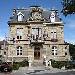 L'hôtel de ville de Conflans-Sainte-Honorine.
