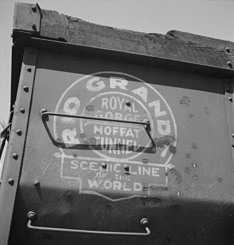 Denver and Rio Grande Western Railroad - A portion of a DRGW gondola car showing the Royal Gorge/Moffat Tunnel logo in 1943.