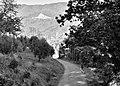 Dalla strada per Castevecchio la vista di Pontito.jpg