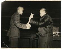 Ceremonia de entrega de la Constitución de la República de China Wu y Chiang Kai-shek