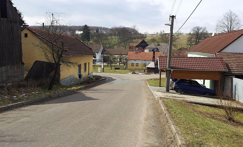 File:Dobrkovice 01.jpg