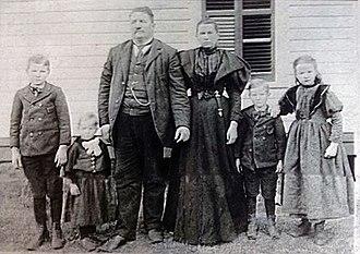 Draketown, Georgia - Dr. William Franklin Goldin and his family
