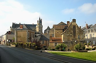 Durtal - The centre of Durtal with the chateau