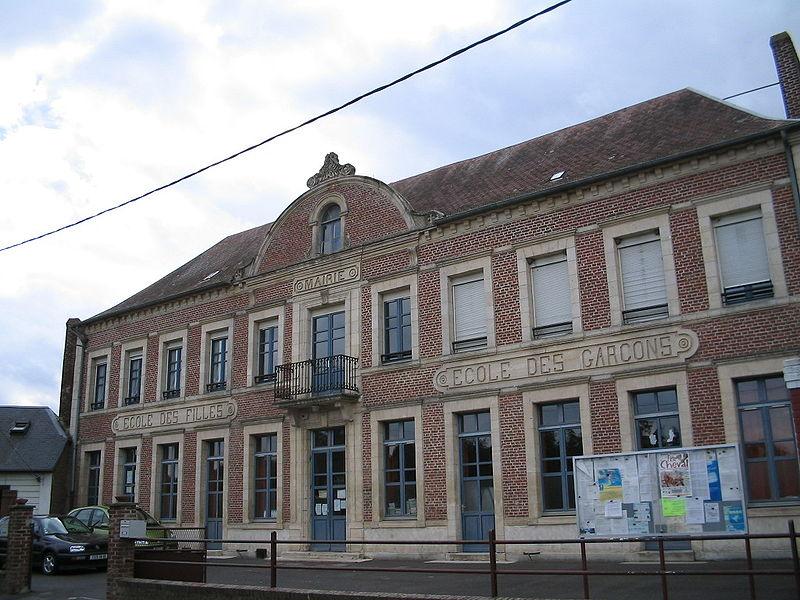 File:Ecole mairie voyennes.jpg