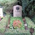 Ehrengrab Hüttenweg 47 (Dahl) La Jana.jpg