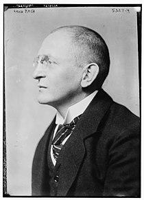 Erich Koch-Weser circa 1920.jpg