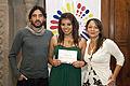 Escuela de Verano 2013, entrega de diplomas (9530623595).jpg