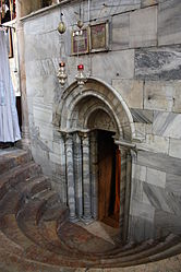 Exit from the Grotto of the Nativity 2010.jpg