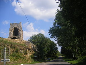 Camboulit - The ruins of the Chapelle St Martin in Camboulit