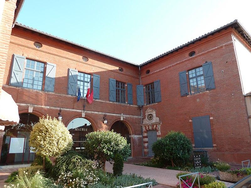 Façade du château de Gramart, actuelle mairie de Tournefeuille (Haute-Garonne, France).