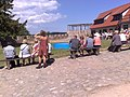 Falkenšteinas pils iekšpagalms-plēsīgo putnu dresēšanas demonstrējums - panoramio.jpg