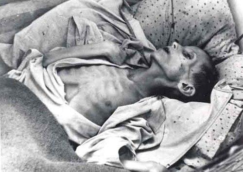 Famine Saratov 1922.jpg