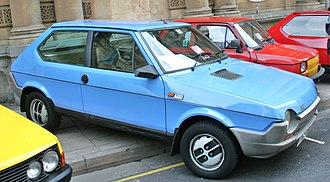 Fiat Ritmo - Image: Fiat Strada Blue 81 to 82 X reg (front right)