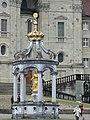 Figur vor dem Kloster Einsiedeln - panoramio.jpg