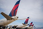 Final 747 Flight and Nuptials (39467818472).jpg