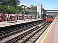 Finchley Central station platforms looking north (20080722).jpg
