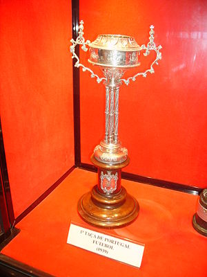 Taça de Portugal - Replica of the Taça de Portugal trophy first awarded to Académica de Coimbra in 1939.