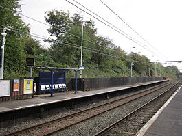 Flowery Field railway station (2).JPG