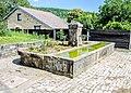 Fontaine, ancien lavoir-abreuvoir.Courchaton.jpg