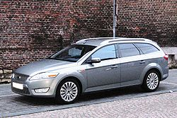 Ford Mondeo estate 2009.JPG