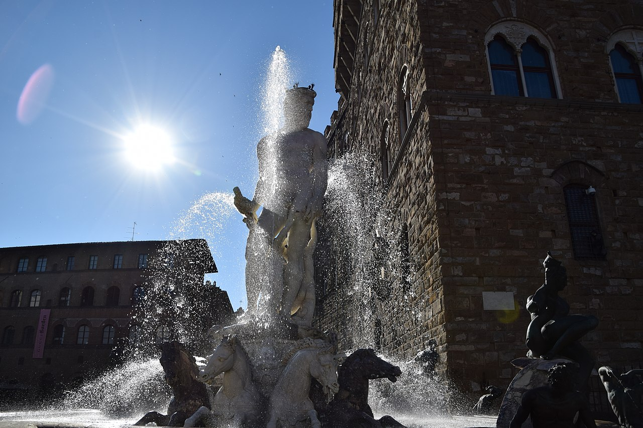 La Fontana del Nettuno, giochi d'acqua in Piazza della Signoria, Firenze