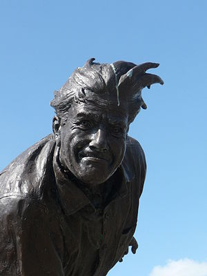 Fred Trueman - Statue of Trueman in Skipton by Graham Ibbeson