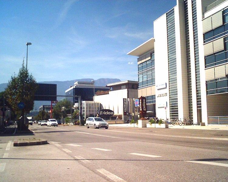 File:Galileo-Galilei-Straße-Via Galileo Galilei.jpg