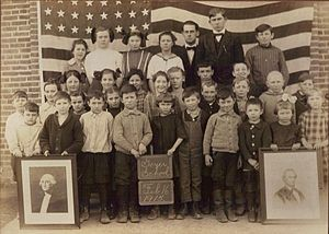 Auglaize County, Ohio - A 1915 class at Geyer School