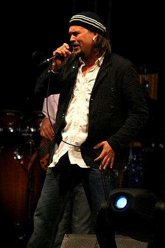 Zlatan Stipišić Gibonni - Gibonni performing live, September 2007.