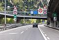 Gotthard-Strassentunnel Nord-Süd-8889.jpg