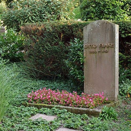 Grabmal Otto Flake - Hauptfriedhof Baden-Baden IMGP0124