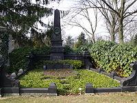 Grabstätte Heinrich Büssings.JPG
