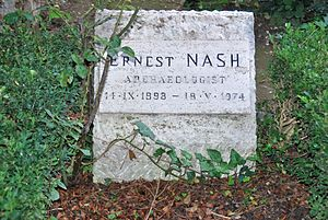 Ernest Nash - Grave of Ernest Nash at the Cimitero acattolico in Rome.