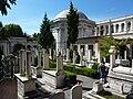 Graveyard at the Mausoleum of Sultan Mahmud II - P1030826.JPG