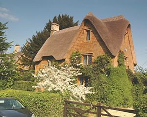 Great Tew - One of the thatched cottages in Brook Road