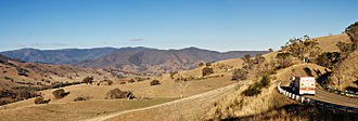 Great Alpine Road - Image: Great alpine rd outside omeo