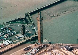 Hydraulic accumulator - Grimsby Dock Tower