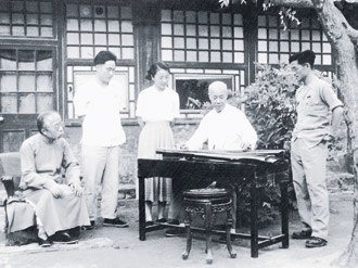 Prince Fu - Pujin (1893–1966) (second from left), the fourth in line in the Prince Fu peerage