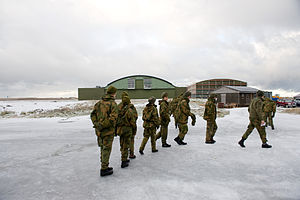 Andøya Airport, Andenes - Soldiers in front of a hangar of Andøya Air Station