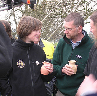 Helen Geake - Helen Geake with Stewart Ainsworth while filming an episode of Time Team in 2007