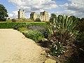 Helmsley castle from west.jpg