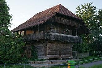 Köniz - Image: Herrenstock, Niederscherli, Strassenseite