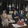 Het koninklijk paar in Bandung. In het midden de gouverneur van West-Java. Op de, Bestanddeelnr 254-9054.jpg