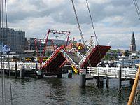 Hoernbruecke Kiel.jpg
