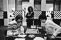 Hoogovenschaaktoernooi Bohm (links) tegen Seirawan, kijkt Timman toe, Bestanddeelnr 930-6302.jpg