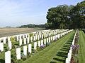 Hop Store British Cemetery. Graven.JPG