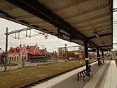 Fil:Hudiksvalls stations perrongtak 03.jpg