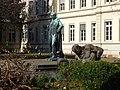 I. Heidelberg Altstadt Campus Universität Heidelberg Bunsen Denkmal vor dem Friedrichsbau.JPG