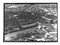 Ifpo 21407 Syrie, gouvernorat de Hama, aqueduc et norias sur l'Oronte à Hama vue aérienne oblique.jpg