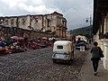 Iglesia de Santa Teresa y mercado de artesanías.jpg